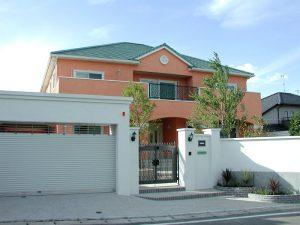 オシャレで優雅なスタイルの家