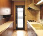 対面式キッチン 食器棚は当社オリジナル